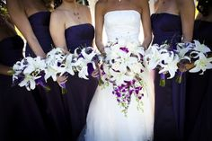 White Lilies and the dark blue bridesmaids dresses. Perfect!!!