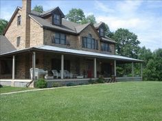 Burlington, KY  sleeps 28-40