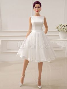 2015 Short Wedding Dresses Vintage Bateau Neckline Deep V Back Little Bridal Dresses With Bow Summer Bridal Gowns Knee Length Wedding Dress Bridal Boutique Bride Dresses From Seewedding, &Price; Bridal Dresses, Prom Dresses, Dress Wedding, Backless Wedding, Wedding Dressses, Wedding Wear, Formal Dresses, Engagement Dresses, Vintage 1950s Dresses