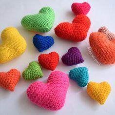 Corazones tejidos a crochet amigurumi! Video tutorial paso a paso :)