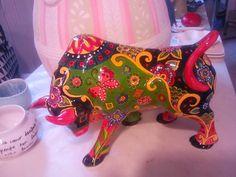 Toro con stroke and coats Decoupage, Cow Parade, Sharpie Art, Animal 2, Cows, Nevada, Annie, Folk Art, Artworks