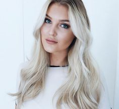 Pearl blonde by Elin Johansson