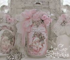 Shabby Chic Home Decor Shabby Chic Theme, Shabby Chic Crafts, Shabby Chic Pink, Shabby Chic Cottage, Vintage Shabby Chic, Victorian Christmas, Vintage Christmas, Shabby Chic Christmas Decorations, Pastel