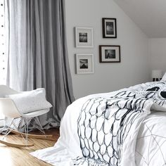 The Wicked Owl is a single bed size duvet cover and it looks lovely as the accentuating feature on the double bed. Who knew she could be so versatile.