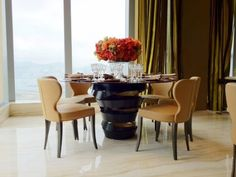 Fall-in-Love-with-These-Wintery-Black-Dining-Tables-2 Fall-in-Love-with-These-Wintery-Black-Dining-Tables-2