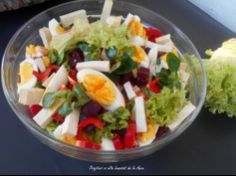 Salata de cruditati cu sfecla rosie si oua Good Food, Yummy Food, Romanian Food, Healthy Salad Recipes, Salad Dressing, Guacamole, Food Art, Cobb Salad, Healthy Lifestyle
