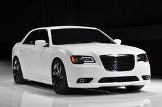 """Chrysler se llama """"La importación de América"""" y sus coches se construyen en los Estados Unidos."""