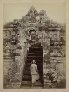 Kassian Cephas, Javanese at the foot of stairs in the temple complex of Borobudur in Magelang, Java, 1872