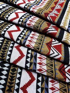 🚨🚨 Politique d'expédition panémique🚨🚨 • L'article de commande 1 sera expédié par courrier standard. •Les articles de commande 2+ seront expédiés par courrier DHL Express. 🚩MAINTENANT, NOUS SOMMES EN VENTE!!! JUSQU'À 15 %🚩 •Achetez 4 articles Obtenez un rabais de 10%* (Échangez le code coupon: Aztec Fabric, Woven Fabric, Easy Sewing Projects, Sewing Projects For Beginners, Baby Bibs Patterns, Print Patterns, Weaving Textiles, Bib Pattern, Denim Crafts