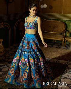 Kareena Kapoor Lehenga, Bollywood Lehenga, Kareena Kapoor Khan, Bollywood Fashion, Bollywood Actress, Kareena Kapoor Wedding, Sabyasachi Bride, Bollywood Wedding, Blue Lehenga