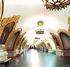 Curious Places: Moscow metro stations (Moscow/ Russia) The Moscow metro stations look more like art galleries than subway stations. Russian Architecture, Beautiful Architecture, Beautiful World, Beautiful Places, Amazing Places, Places Ive Been, Places To Go, Wladimir Putin, Moscow Metro