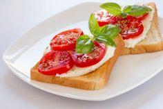 Mozzarella-Tomaten-Toast Rezept