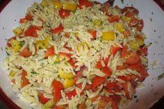 Das perfekte griechischer Reissalat-Nudelsalat-Rezept mit einfacher Schritt-für-Schritt-Anleitung: Kritharaki-Nudeln nach Packungsanweisung kochen.
