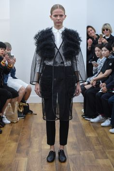 Noir Kei Ninomiya Spring 2016 Ready-to-Wear Fashion Show