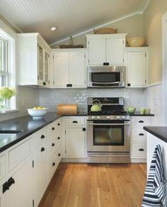 Jamestown Residence: Kitchen