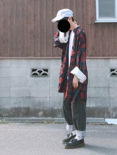 チャイナ〜 インナーは白が1番いいかなぁ こういう服着るときはワイドなパンツのほうが