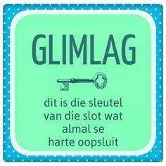 Glimlag...