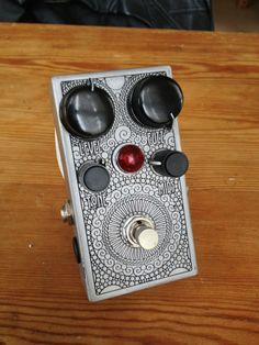View topic - Post your Etched Enclosures! Cheap Guitar Pedals, Cool Guitar, Distortion Guitar, Distortion Pedal, Vintage Guitars For Sale, Diy Guitar Pedal, Reverb Pedal, Guitar Chords For Songs, Instruments