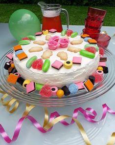 Kuva Birthday Cake, Desserts, Recipes, Food, Tailgate Desserts, Deserts, Birthday Cakes, Recipies, Essen