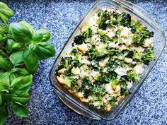 Zapiekanka brokułowa z ryżem i kurczakiem to pyszne zdrowe, dietetyczne danie. Przepis na zapiekankę brokułową z ryżem i kurczakiem. Fit dania.