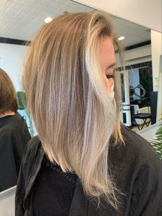 Long inverted bob haircut with blonde balayage and moneypiece Blonde Inverted Bob, Long Bob Haircuts, Blonde Balayage, Hair Cuts, Long Hair Styles, Photo And Video, Shop, Beauty, Haircuts