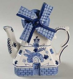 Delft Blue windmill teapot - a privilege to have visited the Delft Factory in The Netherlands Delft, Blue And White China, Blue China, Color Celeste, Teapots Unique, Teapots And Cups, Chocolate Pots, My Tea, White Porcelain