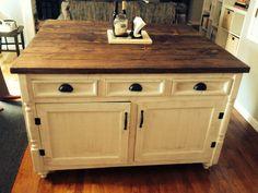 Handmade Rustic Kitchen Island with reclaimed pallet lumber. New Kitchen, Kitchen Decor, Kitchen Ideas, Mini Kitchen, Kitchen White, Kitchen Pantry, Kitchen Cart, Kitchen Inspiration, Kitchen Tools