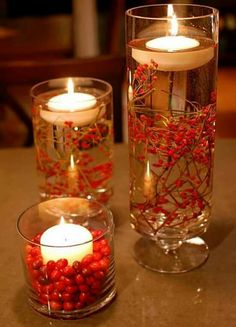 Fall Centerpieces With Floating Candles.So sweet and simple for fall/Christmas decorations! Noel Christmas, Christmas Wedding, Winter Christmas, Autumn Wedding, Simple Christmas, Homemade Christmas, Nordic Christmas, Rustic Christmas, Christmas Berries