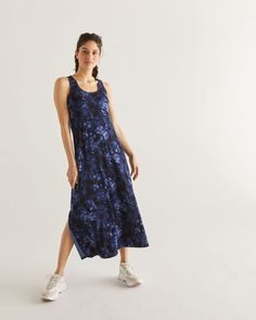 Shop online for Hyba Tie-Dye Print Maxi Dress. Find Dresses, Hyba Activewear, Sale and more at Reitmans Maxi Shirt Dress, Floral Print Maxi Dress, Maxi Wrap Dress, 15 Dresses, Summer Dresses, Belle Silhouette, Tie Dye Fashion, Maxi Robes, Casual Dresses For Women