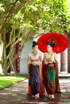 Women in traditional lao silk costume