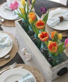 This Easter Sunday, whether you're gathering with family friends for brunch and an egg hunt or for a traditional dinner with all the trimmings, you'll need to set the table with some festive décor. Easter Events, Easter Crafts, Easter Decor, Wooden Box Centerpiece, Table Centerpieces, Summer Centerpieces, Centerpiece Ideas, Summer Table Decorations, Spring Home Decor