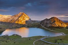 Es el primer parque nacional de España, en la cordillera Cantábrica, entre Asturias, León y Cantabri... - Proporcionado por EL PAIS