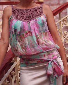 Blusa con cuello crochet