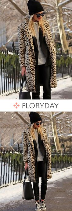 Long-sleeved coat with lapel pockets- Langärmeliger Mantel mit Revers-Taschen Nothing goes wrong with leopard prints! Estilo Fashion, Look Fashion, Fall Winter Outfits, Autumn Winter Fashion, Casual Winter, Mode Outfits, Fashion Outfits, Fashion Clothes, Mode Grunge
