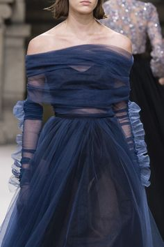 Galia Lahav at Couture Fall 2018 (Details) ♦๏~✿✿✿~☼๏♥๏花✨✿写❁~⊱✿ღ~❥ TH Jul ~♥⛩☮️ Fashion Week, Runway Fashion, High Fashion, Fashion Show, Fashion Outfits, Womens Fashion, Photoshoot Fashion, Fashion Fashion, Fashion Ideas