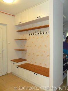 Konyha, előszoba, beépített szekrény:
