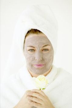 How to Make a Preservative Anti-Aging Facial Mask