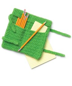 Roll-Up Pencil Case - Hmmm, methinks this would make a great crochet hook travel case, too, for some of my hooking friends (and me, too!)  #redheartyarn