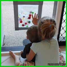 DIY Baby Sensory Bag- what a clever idea for our little explorers!!