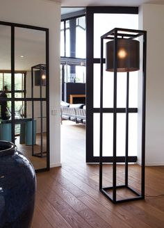 Black Steel Floor Lamp                                                                                                                                                                                 Plus