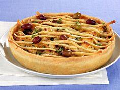 torta-salata-con-patate-e-olive