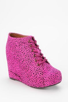 Pink power! #jeffreycampbell #wedge #urbanoutfitters