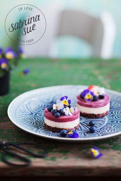 Raw Strawberry-Blueberry Cake