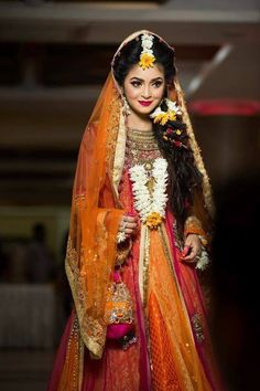 here is my cousin i m so surprised in her holud Beautiful Girl Indian, Beautiful Girl Image, Beautiful Bride, Bridal Poses, Bridal Photoshoot, Bridal Mehndi, Bridal Lehenga, Wedding Makeover, Diy Jewellery Designs