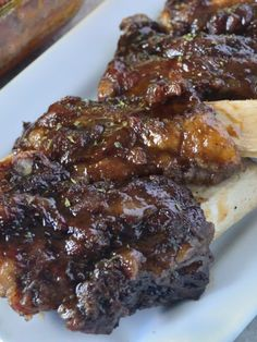 Super bomb, fall off the bone BBQ Ribs baked in the oven! This recipe also includes the BEST ever wet rub seasoning blend! Beef Short Ribs Oven, Boneless Beef Short Ribs, Bbq Short Ribs, Bbq Ribs, Pork Ribs, Beef Ribs Recipe Oven, Oven Baked Beef Ribs, Pork Chop, Barbecue