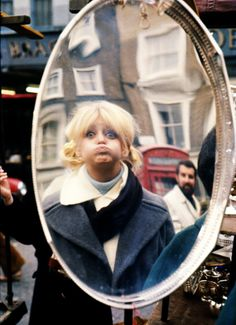 Goldie Hawn in London for filming There's A Girl In My Soup. Photo by Terry O'Neill