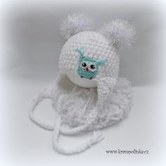 Today I present an easy pattern for baby hat with ear flaps. I made a video in Czech but if you print out this pattern you can easily follow. It is a quite quick project and the yarn is sooo yummy that you will continue till every newborn baby has its own hat. Let´s try. Baby hat with ear