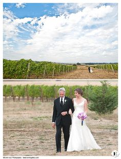 Methven Family Vineyards Wedding Ceremony Location. Walking down the aisle isle during Ceremony at Methven Family Vineyards