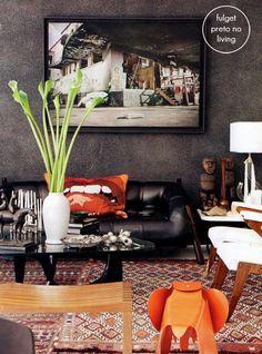 Dark & Chic living space by Marcelo Rosenbaum