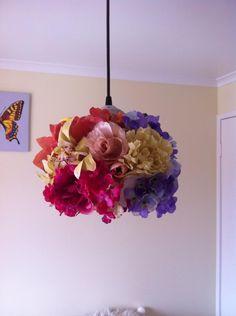 silk flower light shade Flower Lights, Dim Lighting, Light Shades, Silk Flowers, Arts And Crafts, Diy, Home Decor, Decoration Home, Bricolage